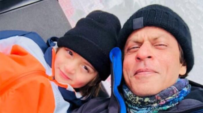 Gauri shares adorable photo of her 'snowmen' Shah Rukh and AbRam