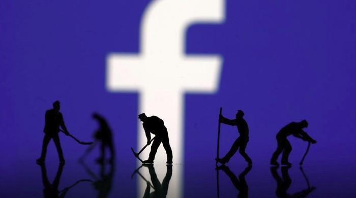 Ex-Facebook manager says company was sluggish in stopping data harvesting