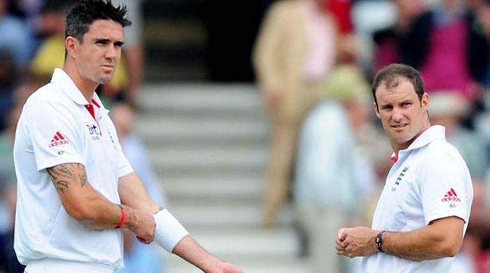 England's Strauss praises 'magnificent' Pietersen