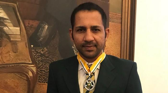 Sarfraz becomes youngest Pakistani cricketer to receive Sitara-e-Imtiaz
