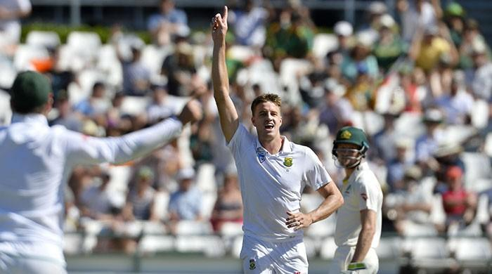 Morkel reaches 300 Test wickets as South Africa take leading edge