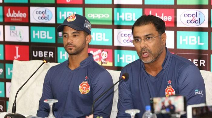 Waqar predicts Kamran won't be selected in national team
