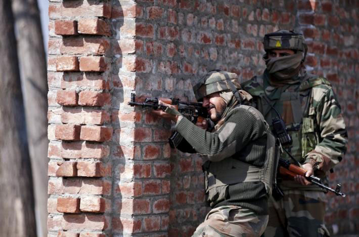 Militant killed in Budgam, lady injured