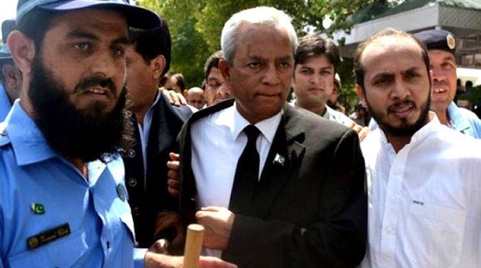 SC accepts Nehal Hashmi's apology, wraps up contempt hearing