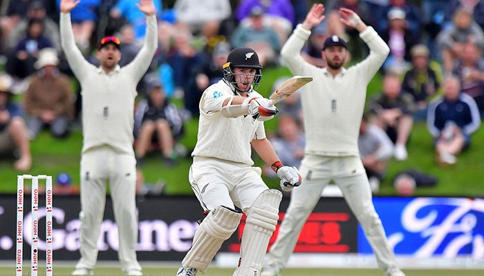James Vince and Mark Stoneman help England take control against New Zealand
