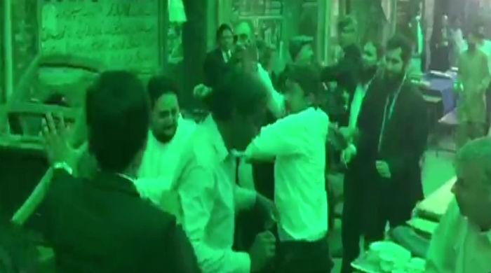Argument between lawyers escalates to brawl at Lahore civil court