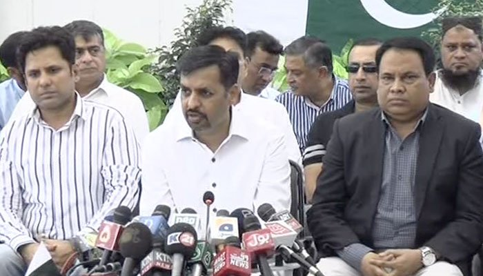 Farooq Sattar celebrates 59th birthday, says MQM-P is an 'ideological party'