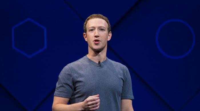 Zuckerberg´s many Facebook apologies over the years