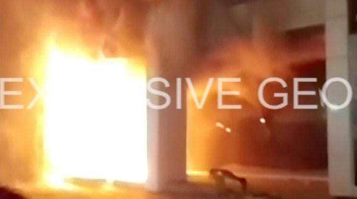 Fire doused at shop in Karachi's Bahadurabad