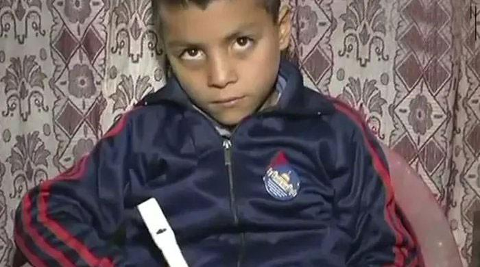 Nine-year-old Kashmiri boy invents counting pen