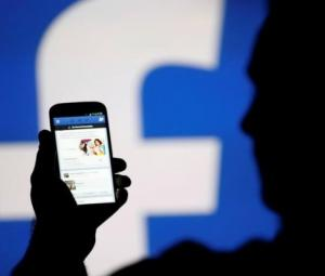 Facebook's damage limitation drive hits trouble in Germany