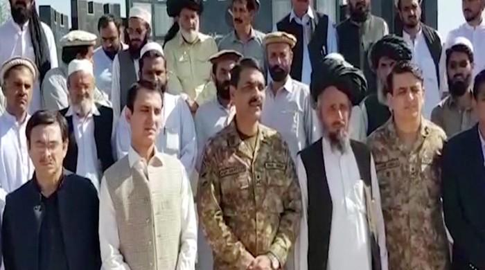 Military leaders attend North Waziristan jirga to resolve traders' problems