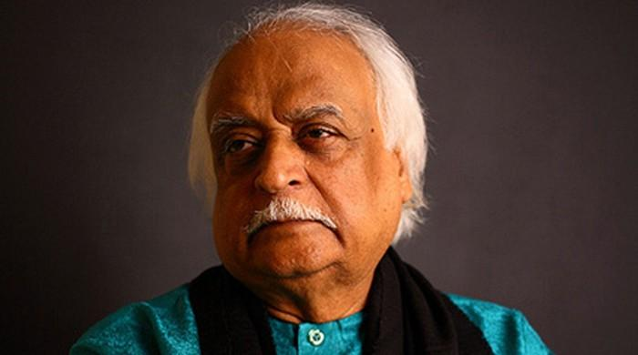 Anwar Maqsood apologises for 'racist' portrayal of Sindhis following backlash