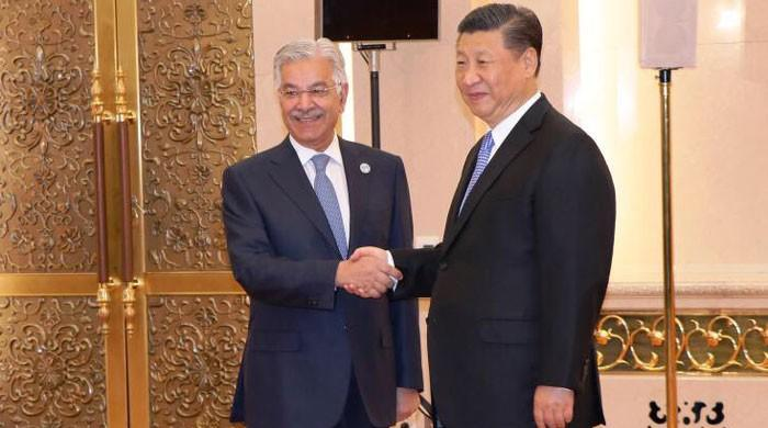 Foreign Minister Asif meets Chinese President Xi Jinping on sidelines of SCO summit