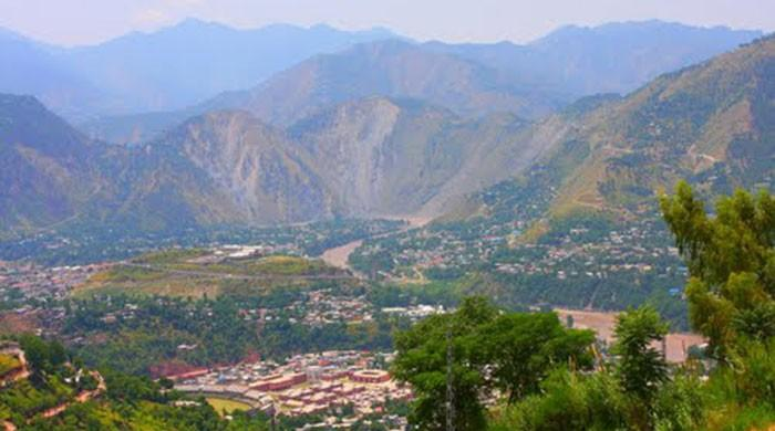 Eight killed as jeep falls into ravine near Muzaffarabad