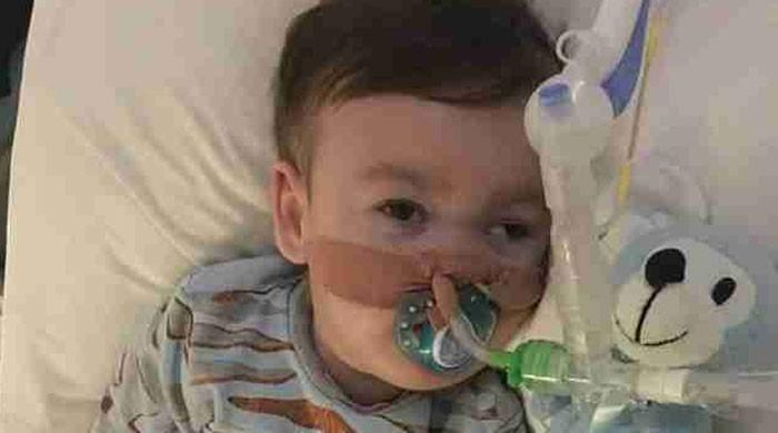 Parents of terminally ill UK toddler launch new legal bid