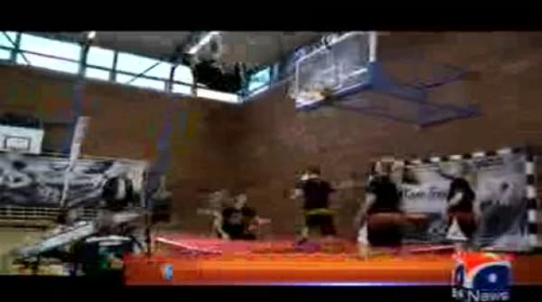 Most Forward Flip Slam Dunks In 30 Seconds