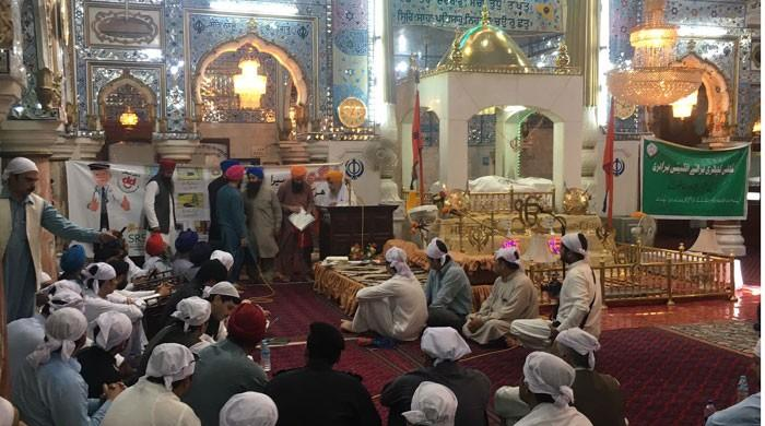 In a first, district admin organises open court in Peshawar's gurdwara