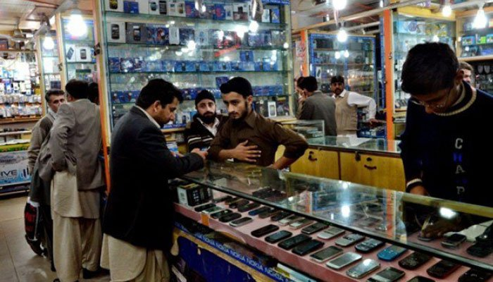 CJP takes suo motu of Rs40 tax deduction on Rs100 mobile card