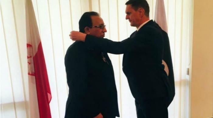 Senior Pakistani diplomat receives prestigious Polish award