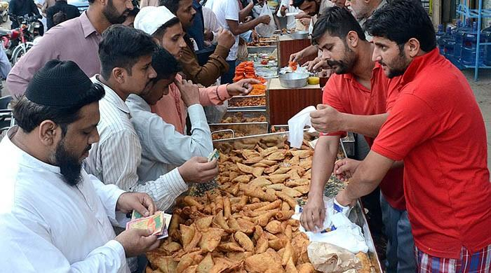 Doctors warn of overeating during iftar