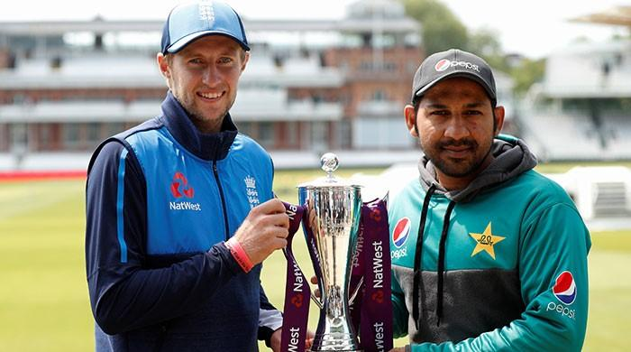 England win toss, elect to bat against Pakistan