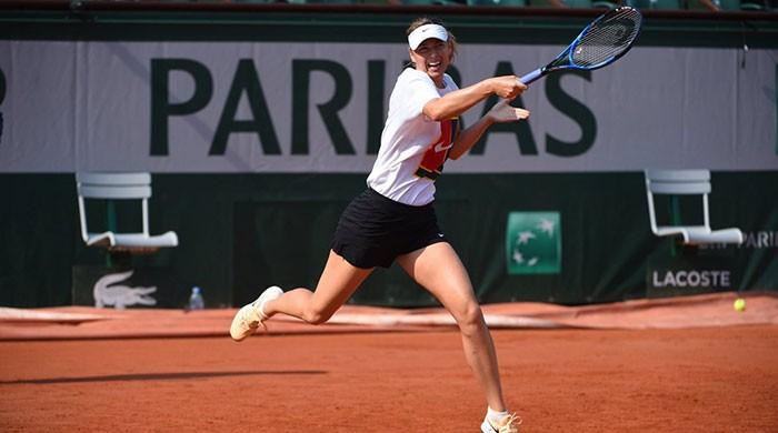 Sharapova seeks redemption on Roland Garros clay