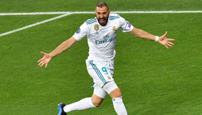 Real Madrid´s French forward Karim Benzema celebrates after scoring the 0-1 during the UEFA Champions League final