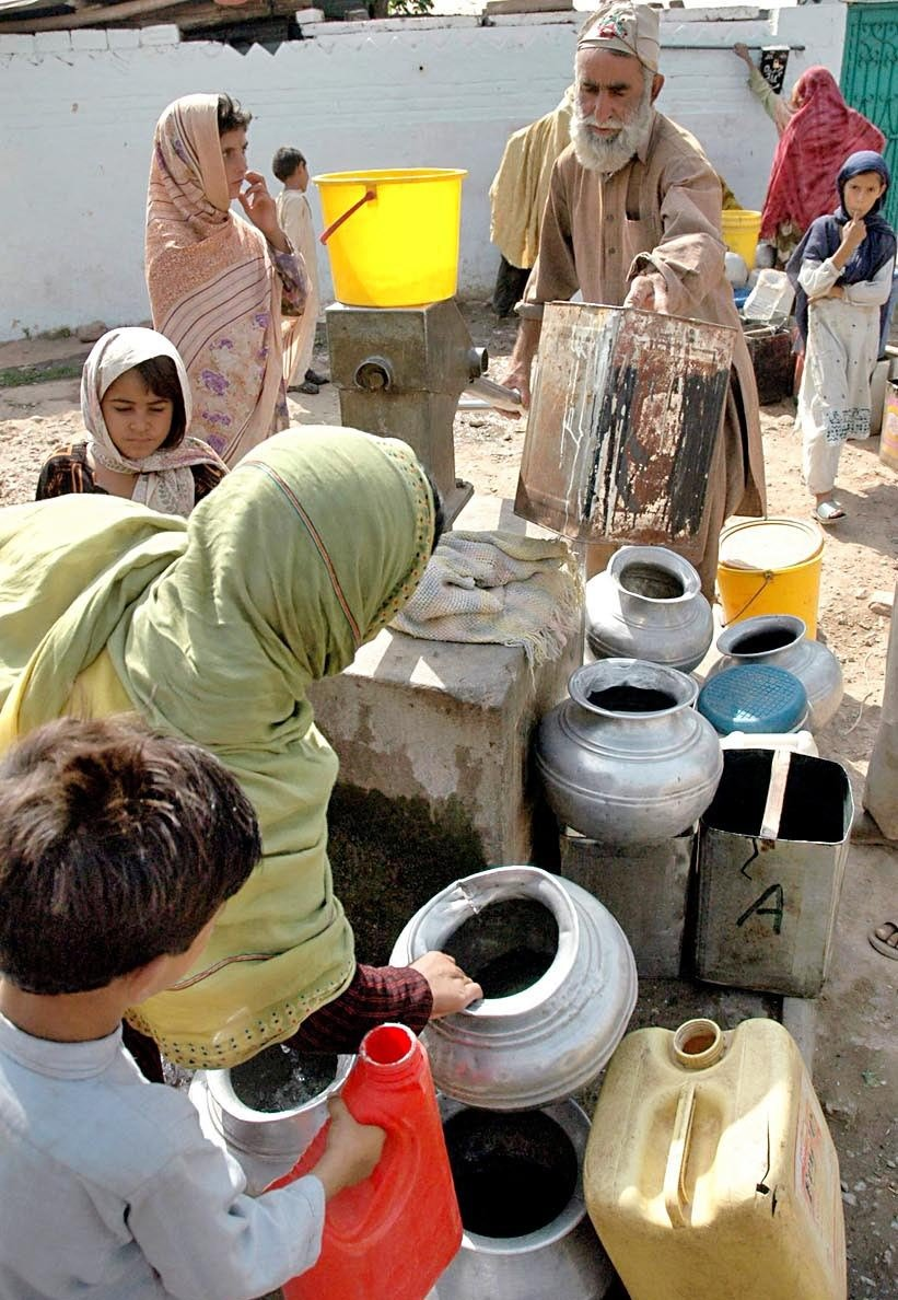 Every summer there is a shortage of water in Islamabad. Photo: Khaleeq Ahmad