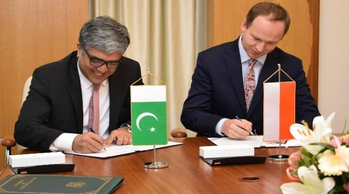 Pakistan and Poland sign MoU for financial cooperation