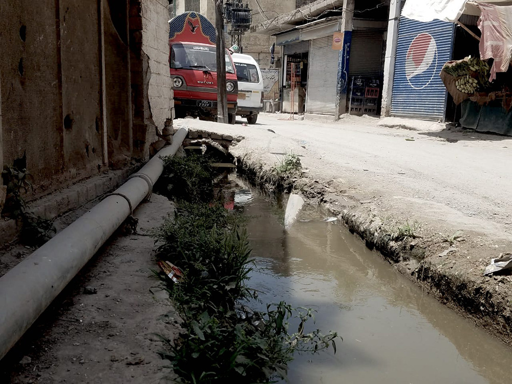 Sewage water in the city of Peshawar. Photo: Author