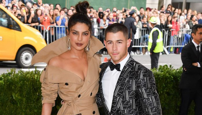 Nick Jonas fuels more Priyanka Chopra dating rumours with sneaky comment