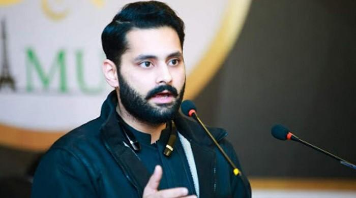 Rights activist Jibran Nasir to contest general election 2018 from Karachi