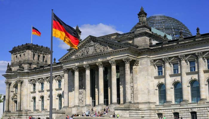 pakistanis most successful at finding jobs in germany report