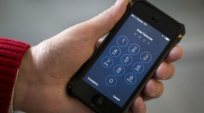 Apple steps up encrytion to thwart police cracking of iPhones