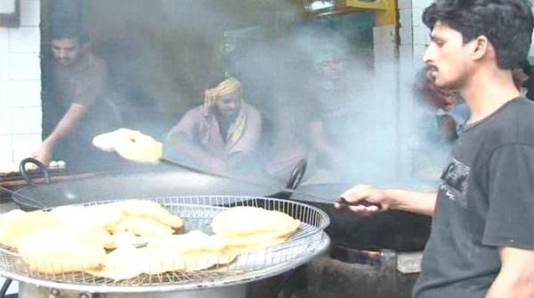People in Lahore enjoy special breakfast on Eid-ul-Fitr