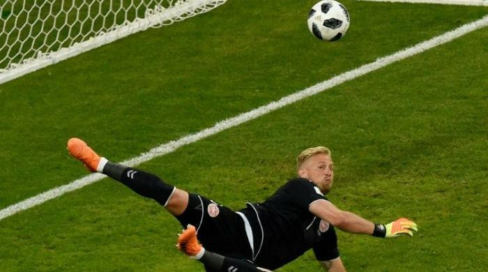 'Acrobat' Schmeichel earns praise after denying Peru