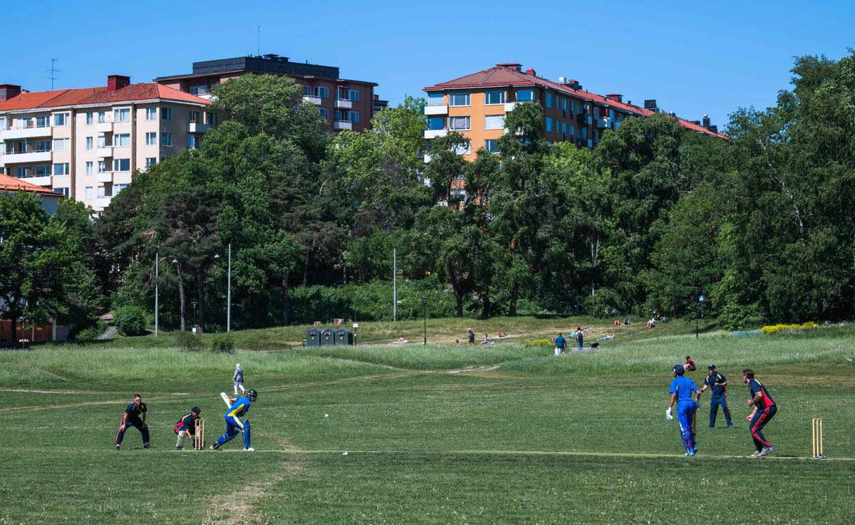 Afghan, Pakistani migrants lead cricket charge in Sweden