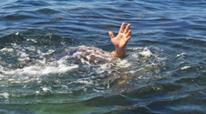 Two men from Karachi, Chitral drown in Keenjhar lake
