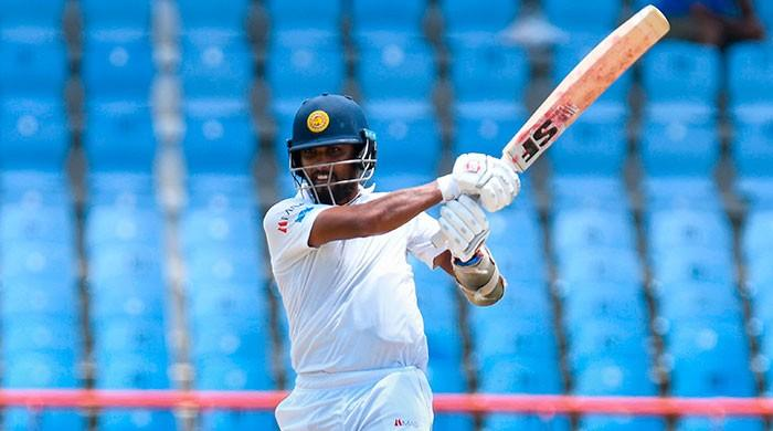 Chandimal denies ball tampering, rescues Sri Lanka with bat