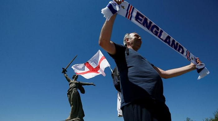 Before match, England fans and diplomats honour Battle of Stalingrad dead