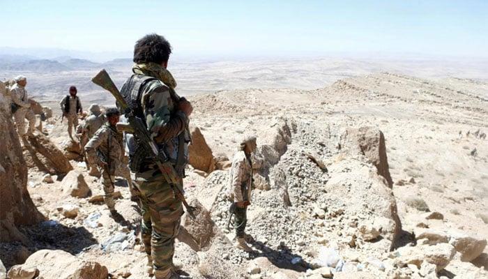 Yemeni officials say fighting rages around Hodeida airport