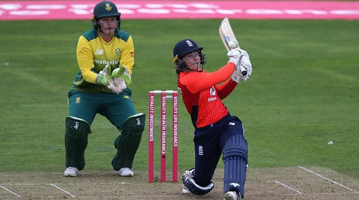 England, New Zealand shatter women's T20 record against luckless South Africa