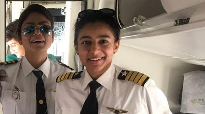 Picture of female pilots on PIA flight to Gilgit goes viral