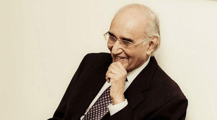 Celebrated satirist Mushtaq Ahmad Yusufi laid to rest in Karachi