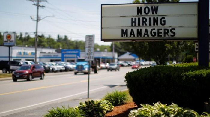 US jobless claims fall, mid-Atlantic manufacturing slows