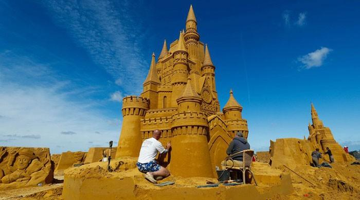 Belgium beach plays host to Hollywood sand sculptures