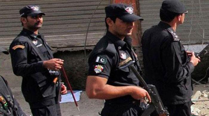 Unidentified men open fire, martyr police officer in Peshawar's Hayatabad