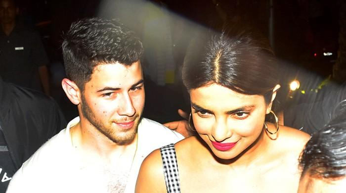 Nick Jonas, Priyanka Chopra in India to 'meet her mother'