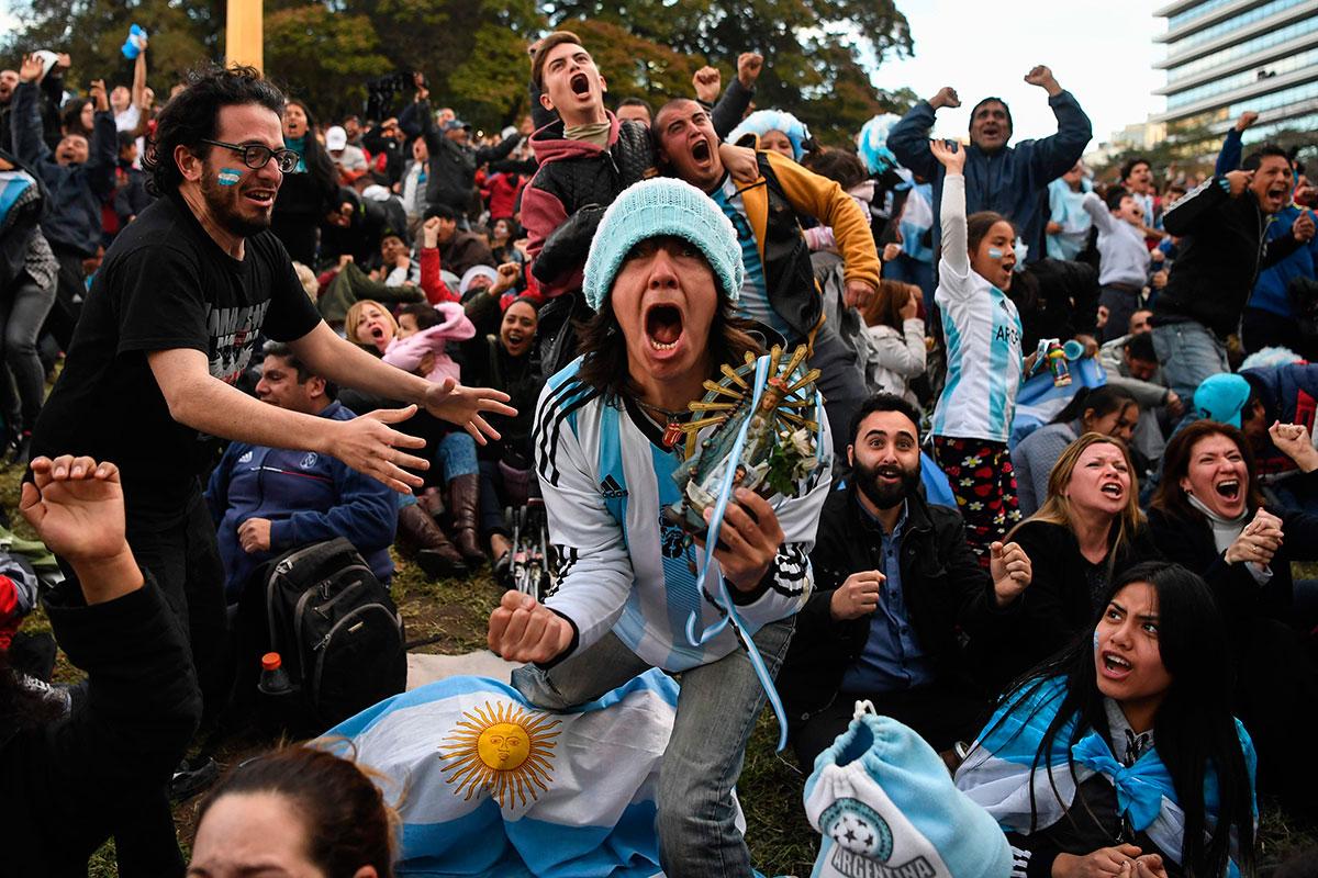 статуэтки фото аргентина завтра живем